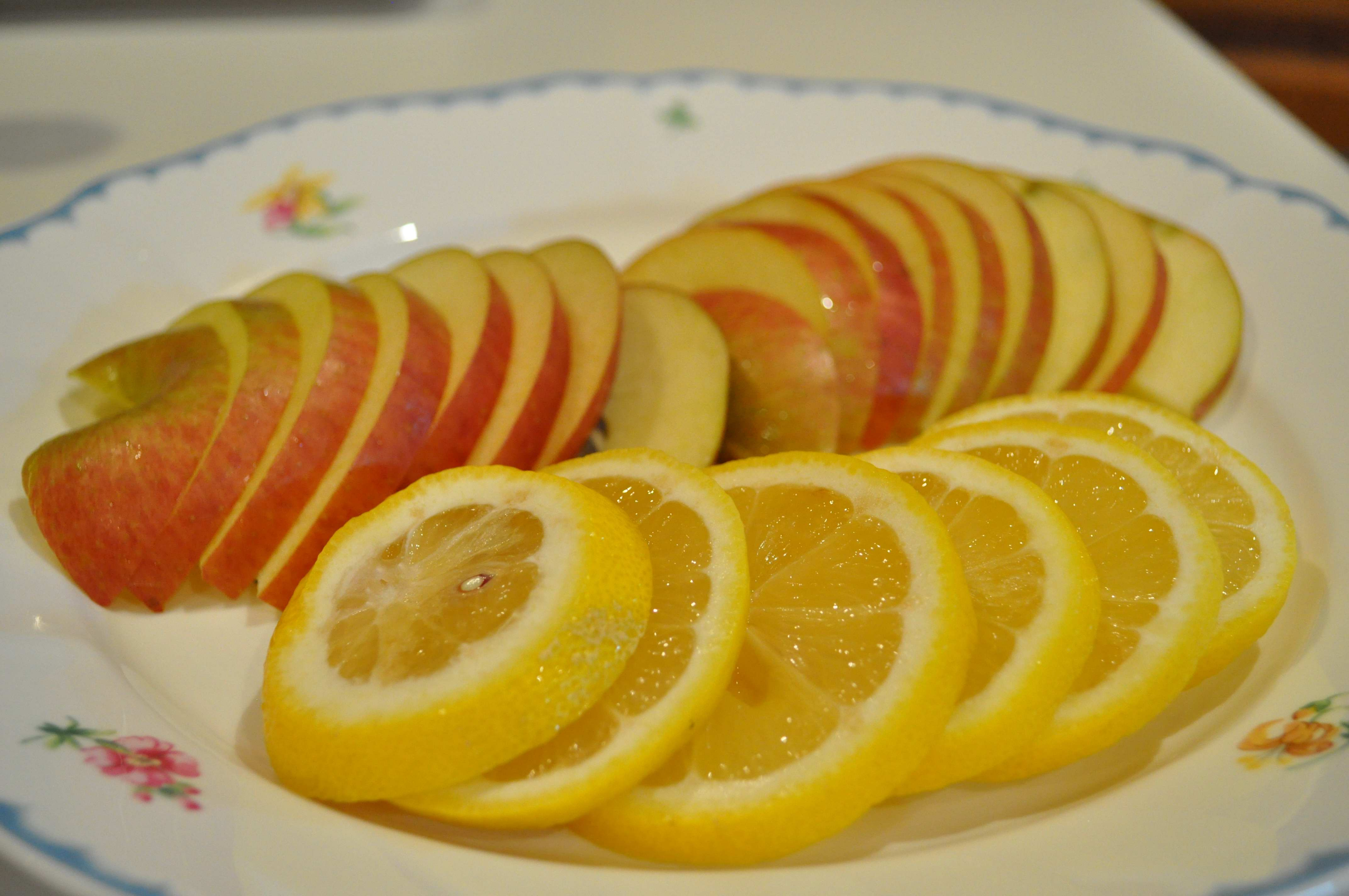 Apple and Lemon slices