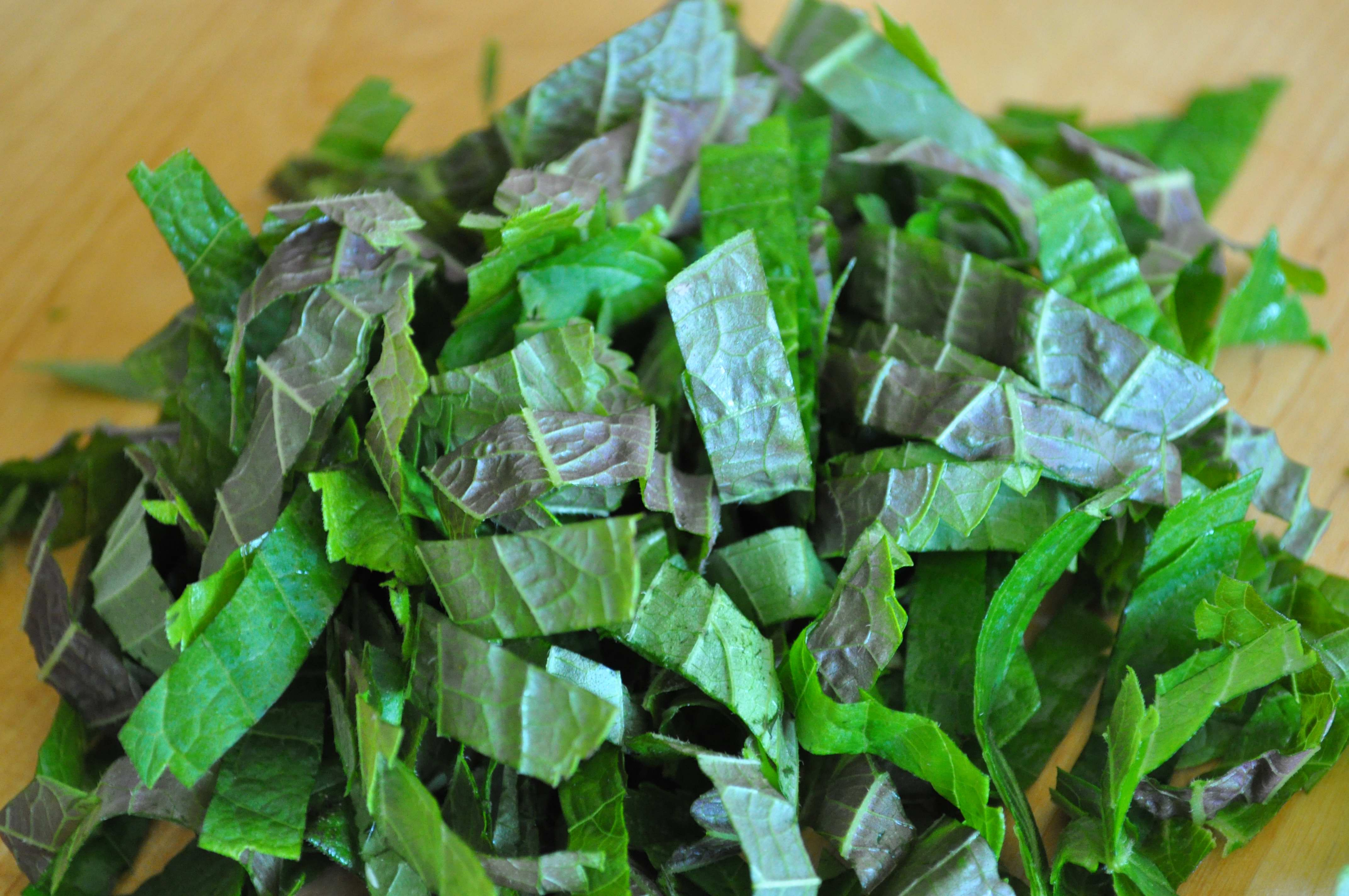 cut perilla leaves