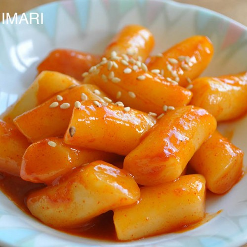 Simple Tteokbokki (Korean spicy rice cake)