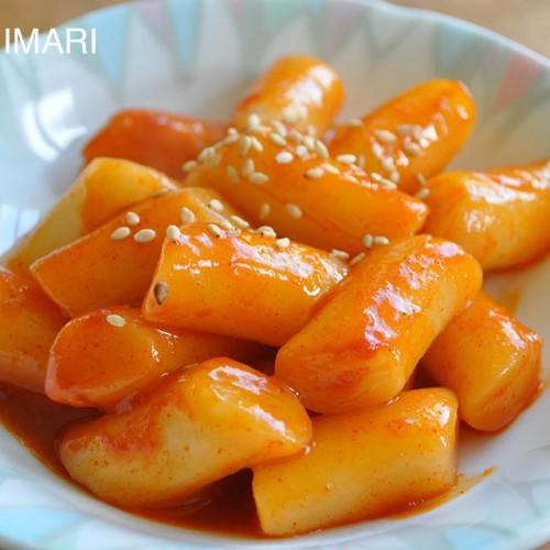 Simple Tteokbokki (Korean spicy rice cake)