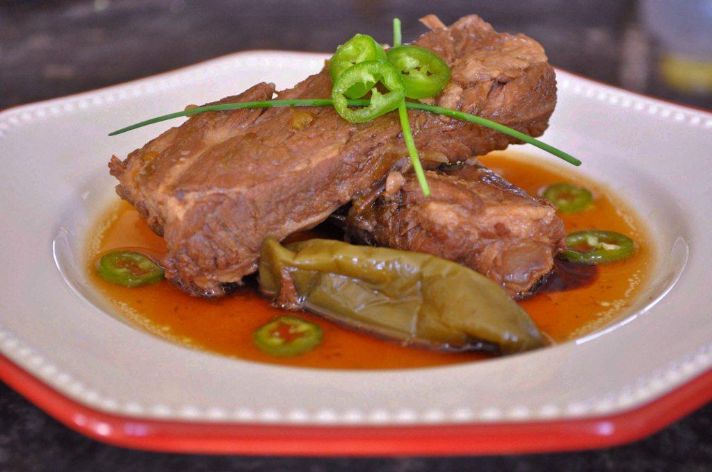 Spicy braised pork ribs (돼지갈비 조림 Dweji Kalbi Jorim)