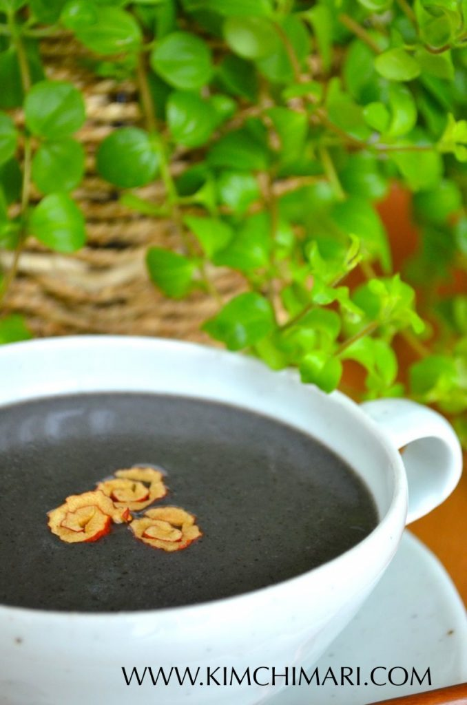 Black Sesame Porridge (Heugimja Juk 흑임자죽) - 6 cups water