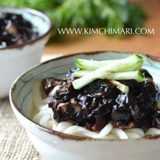 Noodles in Black Bean Sauce (간짜장면 Kaan JJajangmyeon)