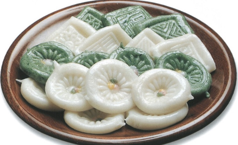 Korean Rice Cake Jeolpyeon with designs