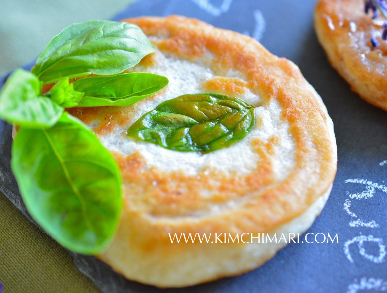 Basil Hotteok/Hoddeok (Korean sweet dessert pancake) www.kimchimari.com