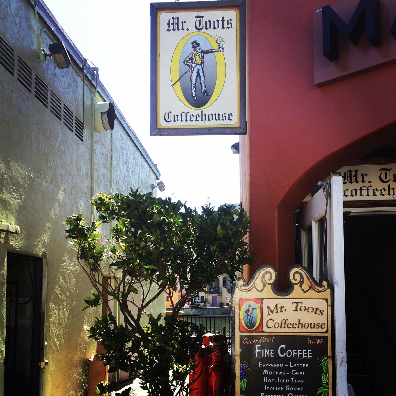 MrToots Coffeehouse in Capitola, California