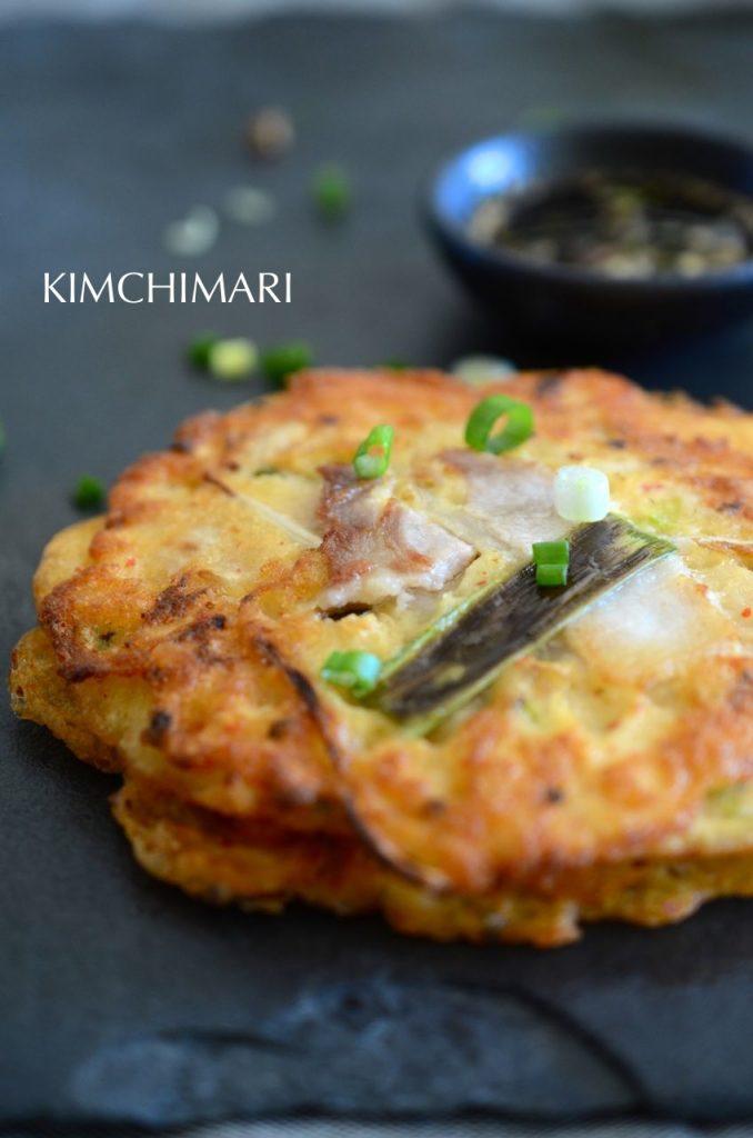 Bindaetteok (Korean mung bean pancake)