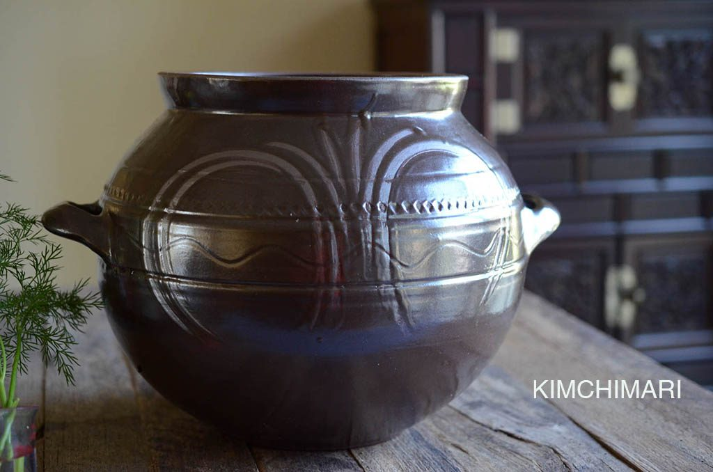 Korean Glazed Onggi or Hangari pot for fermentation of gochujang