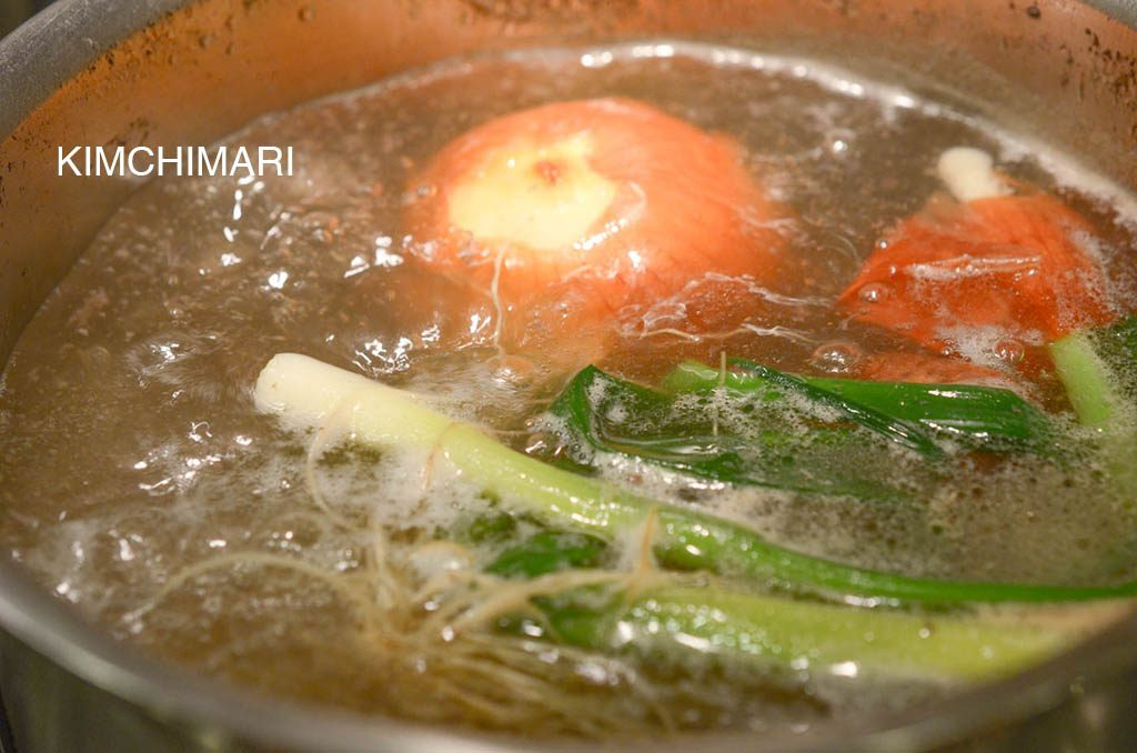 Short Rib soup (galbitang) boiling