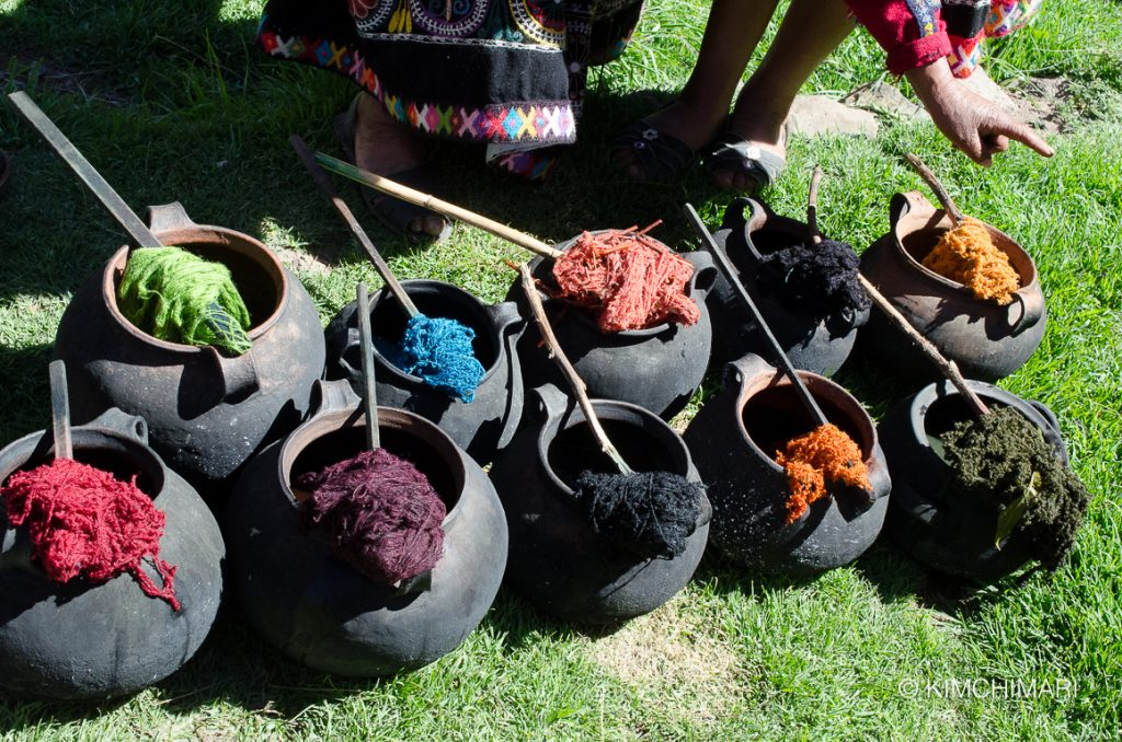 Peru way of Coloring Yarn in Pots