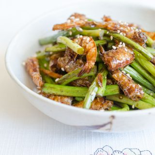 Garlic Scapes Stir Fry with Dried Shrimp (Maneuljjong Saewoo Bokkeum)
